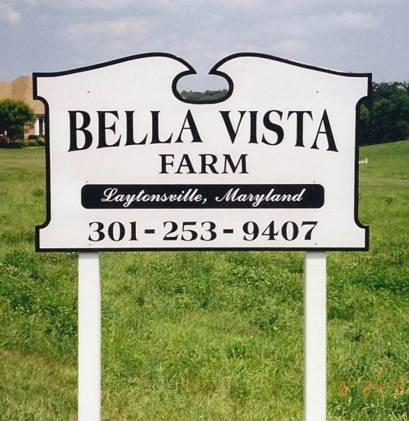 Bella Vista Farm Sign